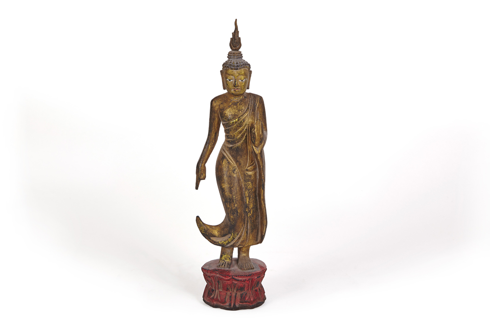 walking-buddha (1)